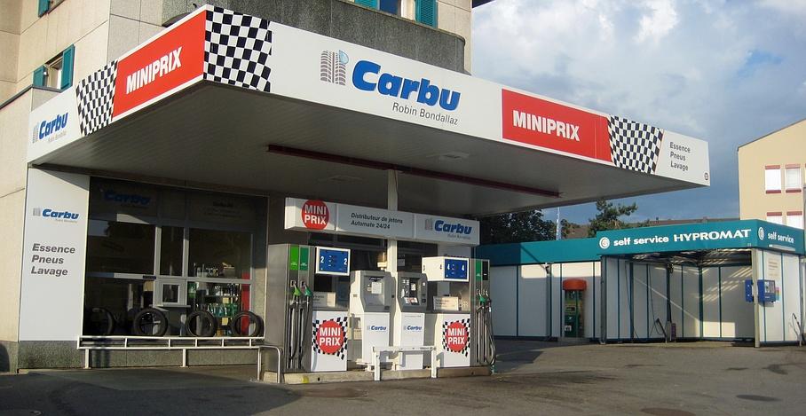 Carbu SA: Station service miniprix, pneus, station de lavage Givisiez